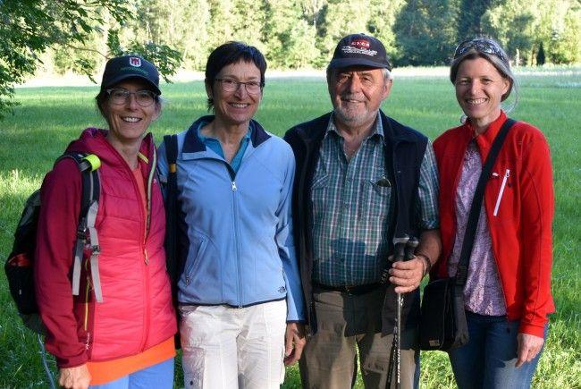 Naturwächter Sophie Fontanne, Regula Ehrne, Wilfried Lampert und Bernadette Bell