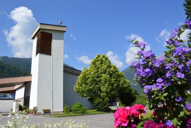 Die Pfarrkirche Gantschier zum heiligen Josef in einer Aufnahme vom Dienstag vor Fronleichnam 2017