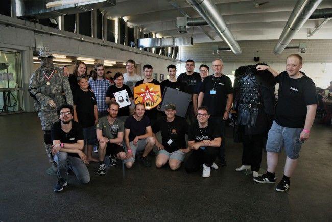 Die Mitglieder von INDustrie Gaming mit Obmann Markus Madlener (r.).