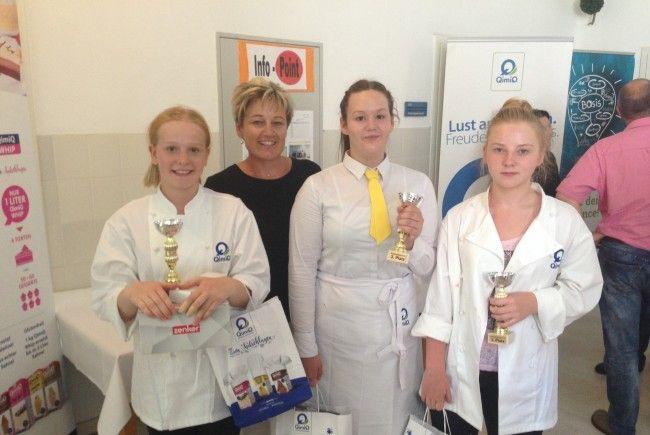 Die erfolgreichen Teilnehmerinnnen mit Fachlehrerin Birgit Natter