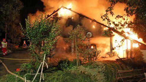 Hausbrand in Hohenweiler durch abgestelltes Fahrzeug ausgelöst