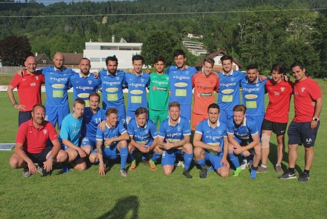 Die Kampfmannschaft des SV Typico Lochau beendete die Vorarlberger Meisterschaft 2016/17 auf dem ausgezeichneten 4. Tabellenplatz in der Landesliga.