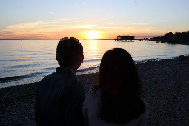 """Terrassen-Zeit für Bodenseefans im """"Treff am See"""" im Lochauer Strandbad: Musik, Kulinarium und eine stimmungsvolle Kulisse."""