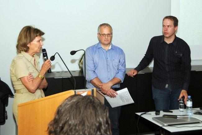 Heidi Senger-Weiss, Vereinsobmann Friedrich Schneider und Referent Dr. Magnus Ressel