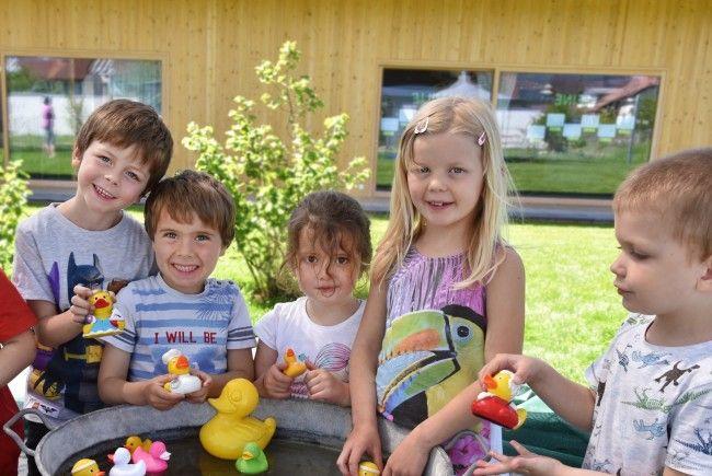 Feierliche Eröffnung des Wasserwerks und des Kinderhauses am Entenbach