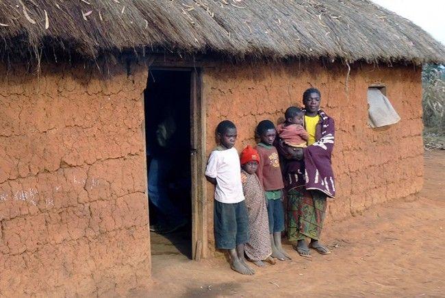 Waisenkinderfamilie mit Grossmutter