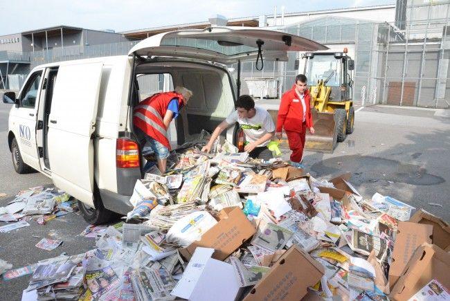 Das Rote Kreuz sammelt wieder Altpapier