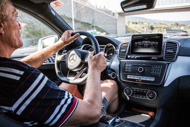 Wieder mehr gebrauchte Kraftfahrzeuge zum Verkehr zugelassen