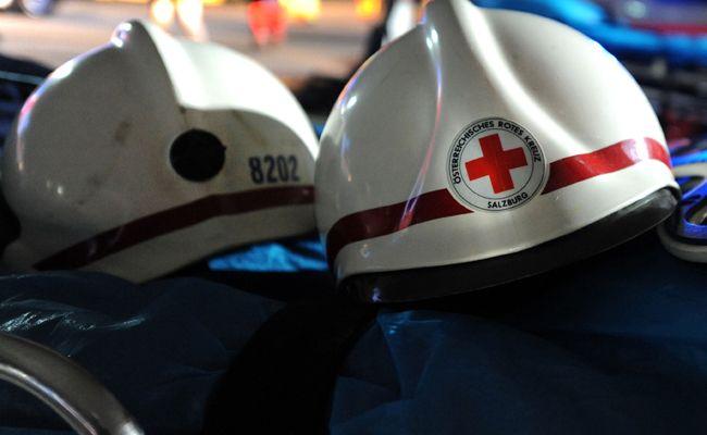 Bei einem Arbeitsunfall in Tschagguns wurden zwei Zimmermänner verletzt.