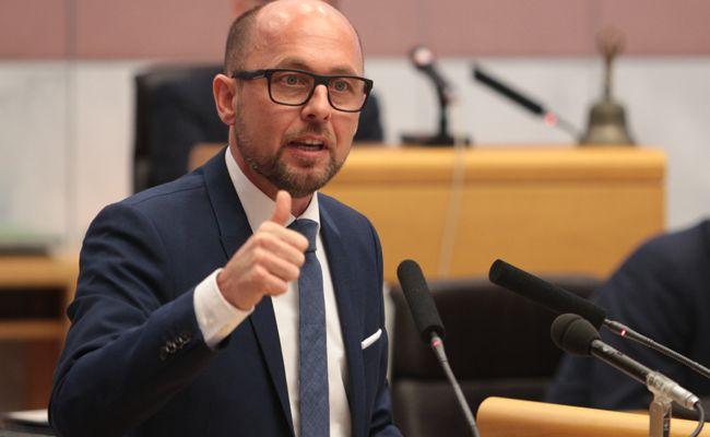 SPÖ-Chef Ritsch plichtet der Vorarlberger Armutskonferenz bei.