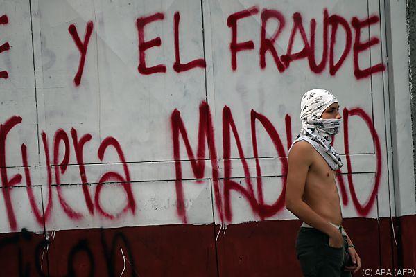Gegner von Präsident Maduro rufen zu Generalstreik auf