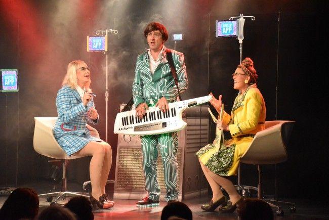 Schweizer Kabarett-Duo überzeugte im Alten Kino