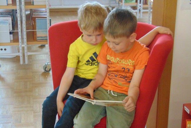 Die Bücherei Mäder lädt auch in den Sommerferien zum lesen ein