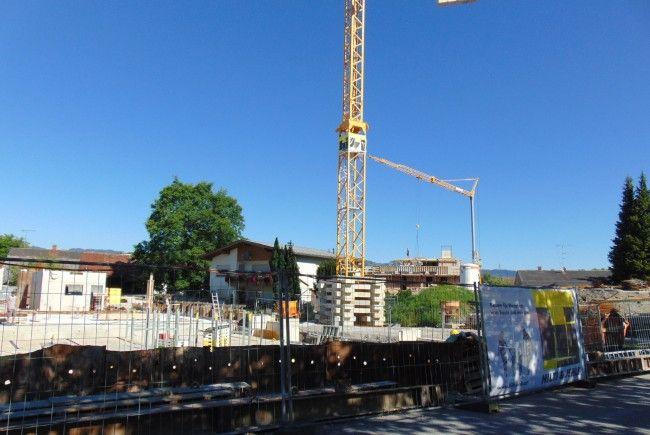 Die Arbeiten auf der Baustelle des Breteuten Wohnen laufen auf Hochtouren