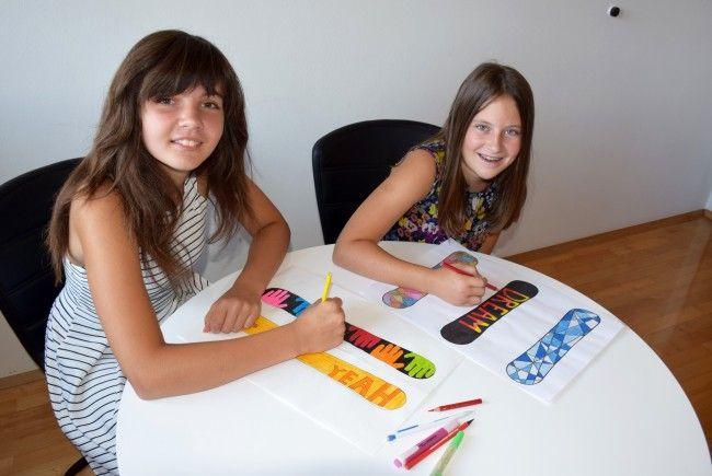 Die Mittelschüler haben sich selber Designs für ihre neuen Shortcarver ausgedacht.