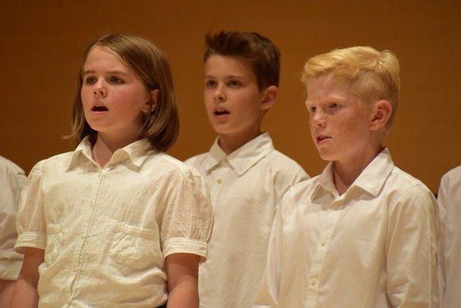 Musikmittelschüler sangen und musizierten auf hohem Niveau.