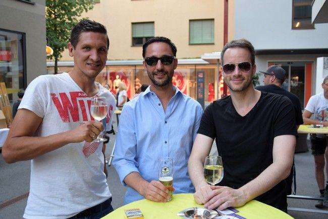 Auch Hugo, Andi und Otto genossen das Konzert bei hochsommerlichen Temperaturen zum Beginn des Sommerfestes