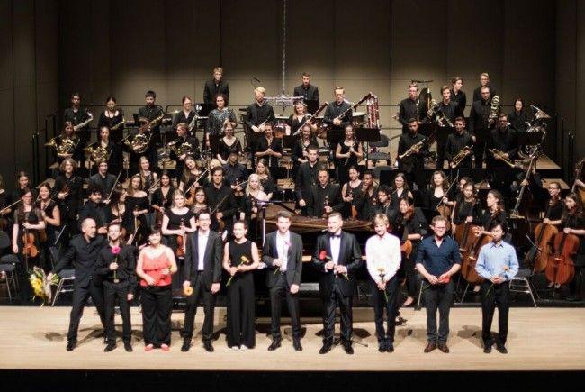 Schlusskonzert des Landeskonservatoriums mit den neun Solisten.