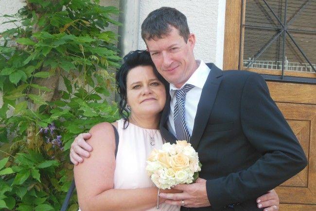 Das glückliche Paar Claudia und Roland Erhart.