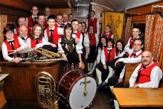 Die Harmonie Musik Schruns macht den musikalischen Auftakt am kommenden Donnerstag, 13.Juli ab 19:30 Uhr am Kirchplatz in Schruns