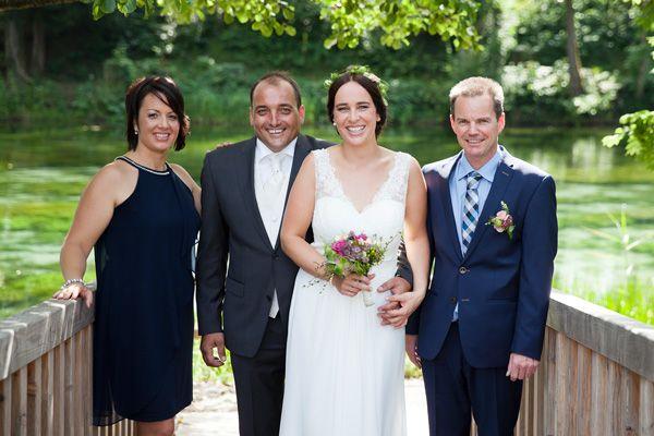 Das Brautpaar Nadine und Bernd mit den Trauzeugen.
