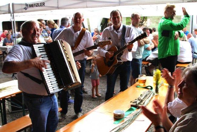 Gemütlich und informativ war das Fest beim Kornfeld der Familie Maissen, welches von zahlreichen Familien besucht wurde.