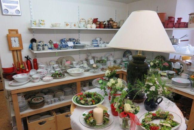 Blumiges und Floristik mit Kaffee und Kuchen im Flohmarktlädile