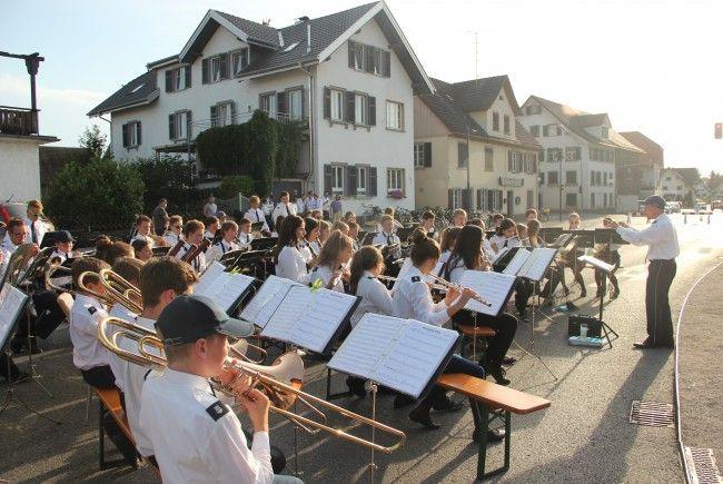 Platzkonzert der Bürgermusik und Jugendkapelle Lauterach