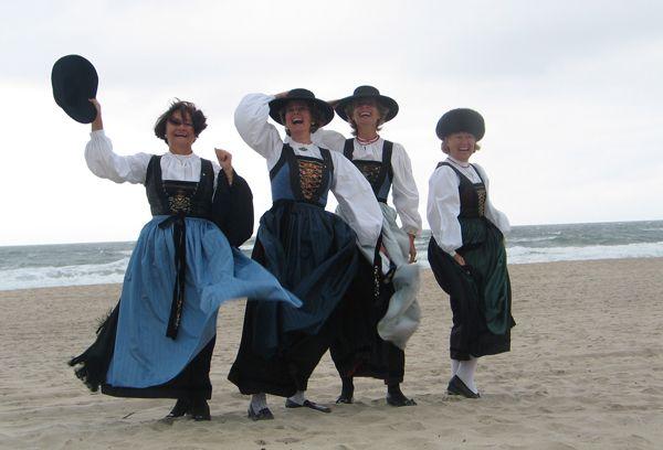 Lecher Damen am Kampener Strand.