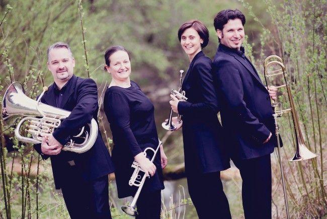 """Das Blechbläserquartett """"Deciso Brass"""" lädt am Samstag zu einem Konzert in die Pfarrkirche Franz Xaver nach Lochau."""