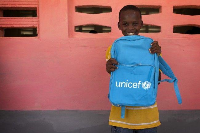 UNICEF Österreich startet eine Door2Door Kampagne im Bezirk Feldkirch. Von 10. Juli bis 16. Juli 2017 sind UNICEF WerberInnen in Feldkirch, Götzis und Altach unterwegs. Simone Mang von UNICEF Österreich möchte sehr gerne die Bevölkerung vorab über diese Aktion informieren, um etwaigem Misstrauen über Besuche vor der Haustüre gut entgegenzuwirken.