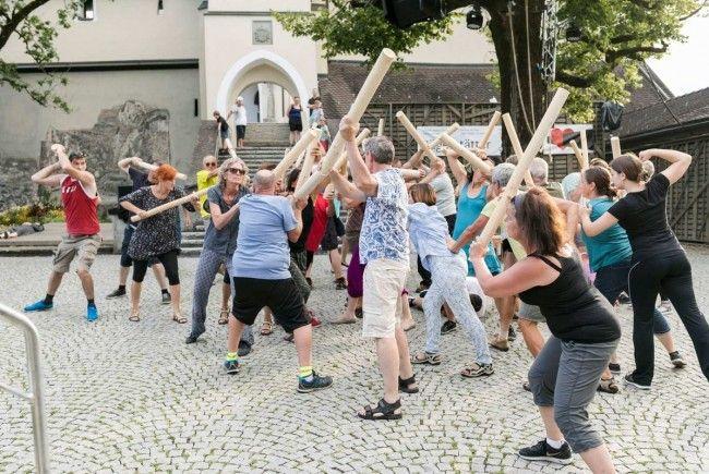Vor der Rankweiler Basilika wird Theater gespielt