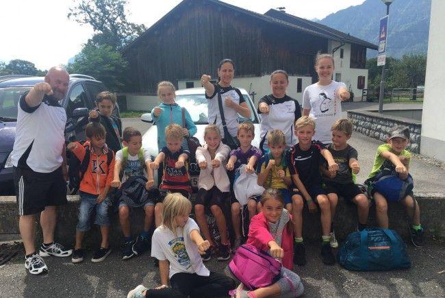 Gruppenfoto Kinder und Betreuer