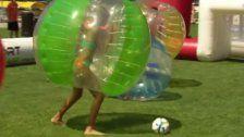 """Kugelz Cup"": Das große Bubble-Soccer-Turnier"