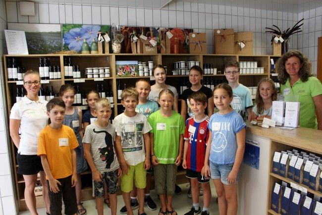 """Auf die jungen Gäste wartete in der """"Ölmühle Sailer"""" in Lochau ein sehr abwechslungsreiches und interessantes Programm."""