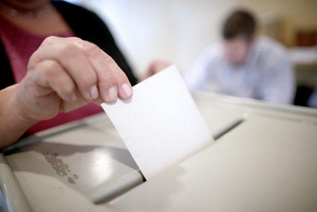 Damit eine Partei bei der NR-Wahl auf dem Stimmzettel steht, benötigt sie 2600 Unterstützungserklärungen.