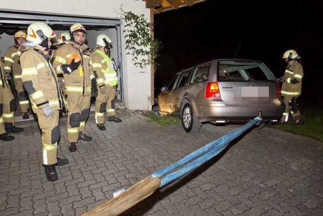 18-Jähriger von Feuerwehr befreit.