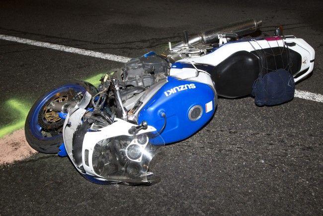 Bei einem Unfall am Mittwoch wurden zwei Motorradfahrer schwer verletzt.