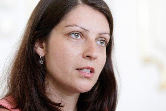 Staatssekretärin Muna Duzdar präsentiert Ergebnisse