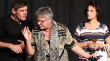Kabarettisten-Trio wusste im Alten Kino zu glänzen