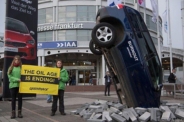 Greenpeace veranschaulicht die Entwicklung etwas drastischer