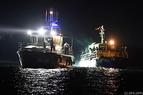 Küstenwache schleptte den Fischkutter ab