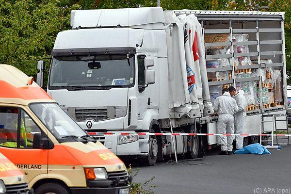 Lkw wurde auf A12 im brandenburgischen Grenzgebiet zu Polen gestoppt
