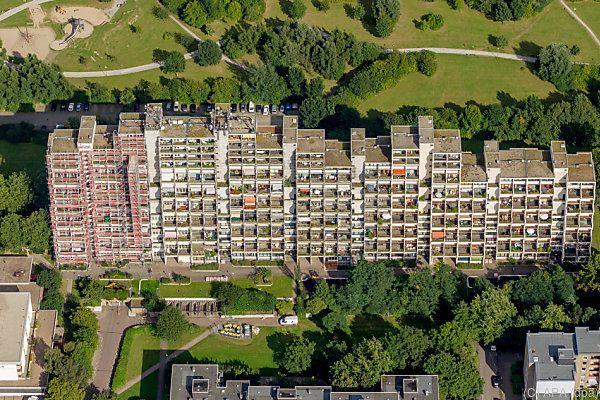 Evakuierung des Dortmunder Hochhauskomplexes hat begonnen