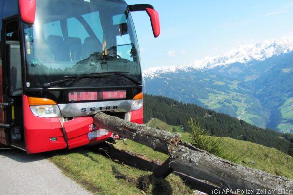 65-jähriger Franzose bewahrte Bus in Tirol vor Absturz