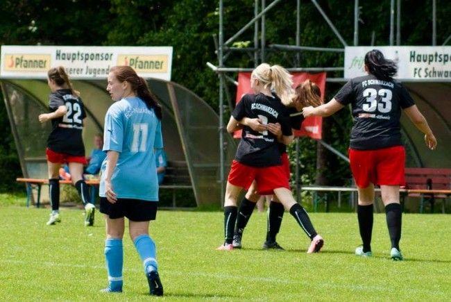 Spielabbruch im Mädchen-Fußball in Hatlerdorf