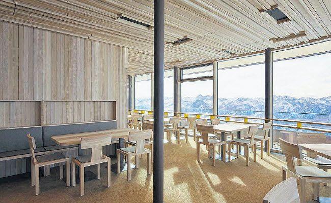 Stuhl, Bank und Tisch aus der Manufaktur am Bodensee