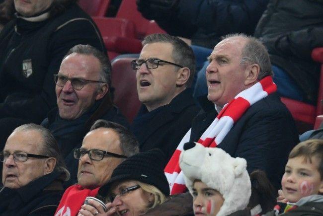 Schuss löst sich: FC-Bayern-Finanzchef getroffen