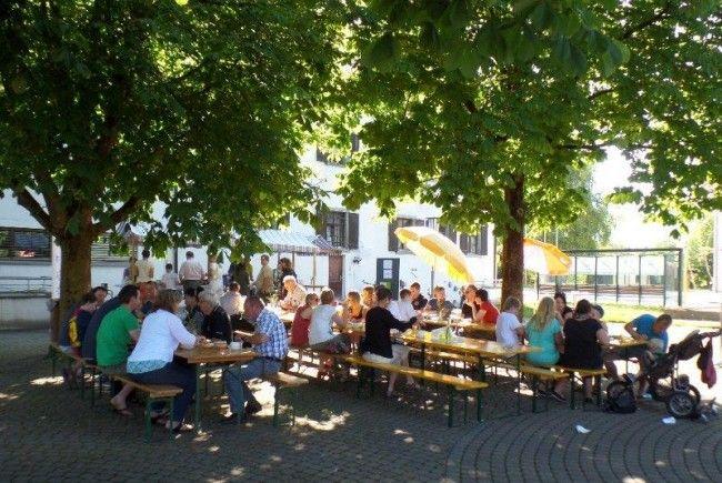 """Familien-Frühstück """"im Kronengarten"""""""