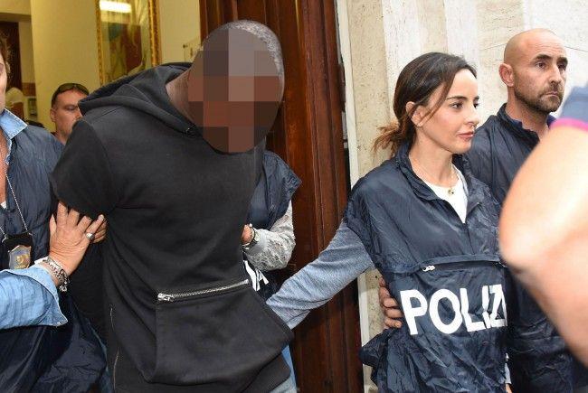 Ein 20-jähriger Kongolese gilt als Haupttäter bei der Vergewaltigung am Strand von Rimini.
